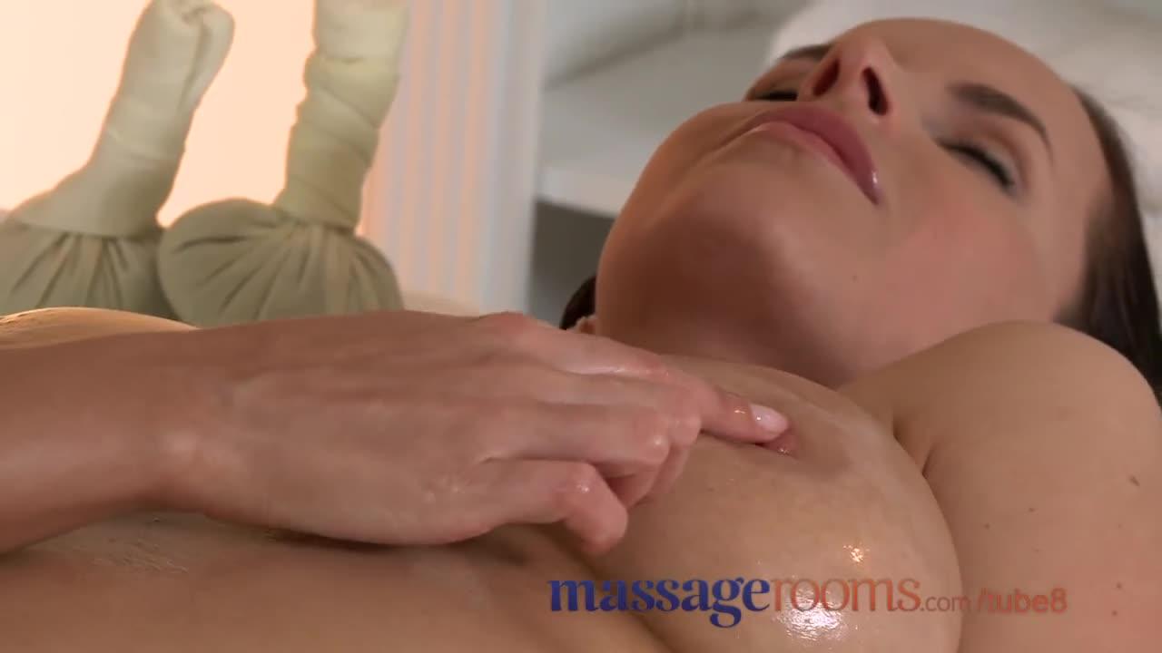 с помощью массажа соблазнил клиентку - 4