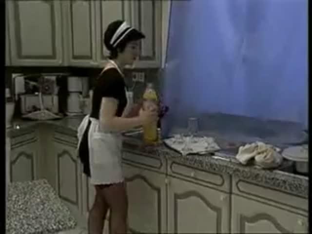 хозяйка дома ласкает домработница - 12