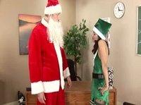 Санта собирается трахнуть помощницу