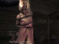 Суперская блондинка не отдана сама себе
