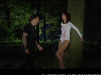 Девчонка с приятелем-извращенцем в лесу
