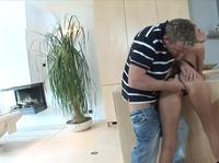 Вагинальный секс с безупречной брюнеткой