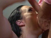 Вагинальный секс с рьяной брюнеткой