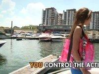 Трахаться с прикольной девушкой на яхте
