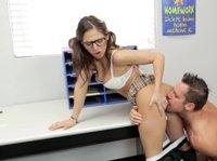 Мужчина рад потрахаться с подружкой