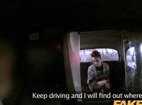 Таксист устроил ночной секс глупой девчурке