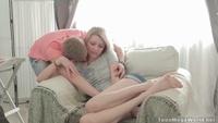 Парень тихонько трахает подружку во влагалище