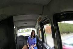 Таксист трахает бабу в задницу