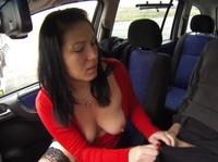 Таксист трахается с пассажирками постоянно