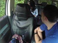 Прикольный трах с девушкой в машине