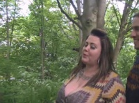 Приятно трахать толстую женщину в лесу
