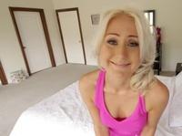 Две блондинки сладко сосутся в паре