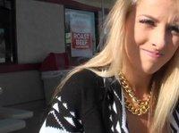 Проникновение в блондинку фаллосом