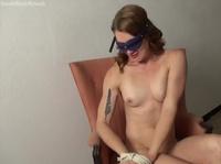 Великолепная онанистка ударилась в дрочку
