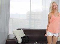 Вагинальный секс с блондинкой на собеседовании