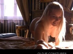 Трахнуть блондинку во влагалище - всегда классно