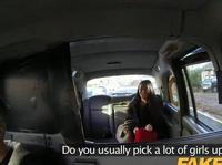 Таксист ебет красивую латино-американку