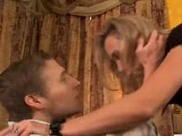 Грудастая звезда Брэнди Лав хочет сношения