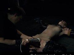 Рыжая шлюшка подверглась БДСМ-пыткам от любовника
