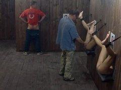 Комната для получения удовольствий с голыми девушками