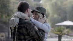 Солдат жарит любимую после долгого воздержания в армии