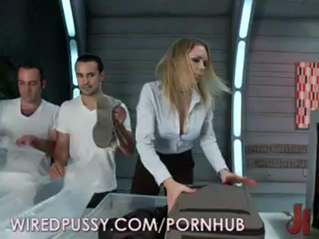 Досмотр в аэропорте порно